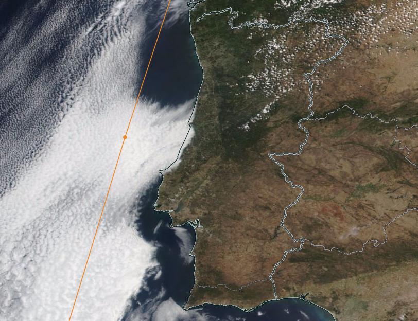 Para comparação, veja-se uma imagem satélite recolhida a 14 de Junho de 2016