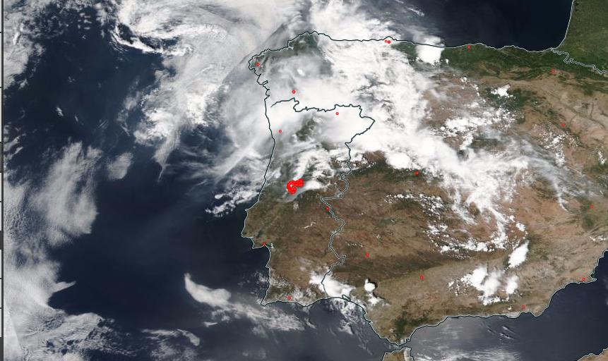 Os pontos vermelhos assinalam anomalias térmicas e incêndios