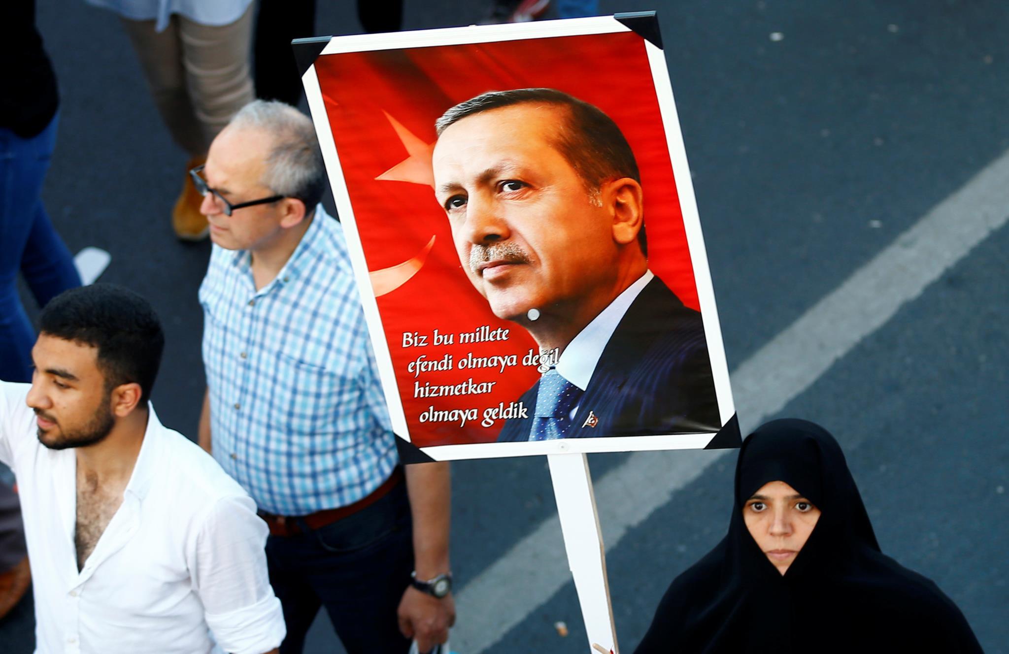 Uma apoiante de Erdogan