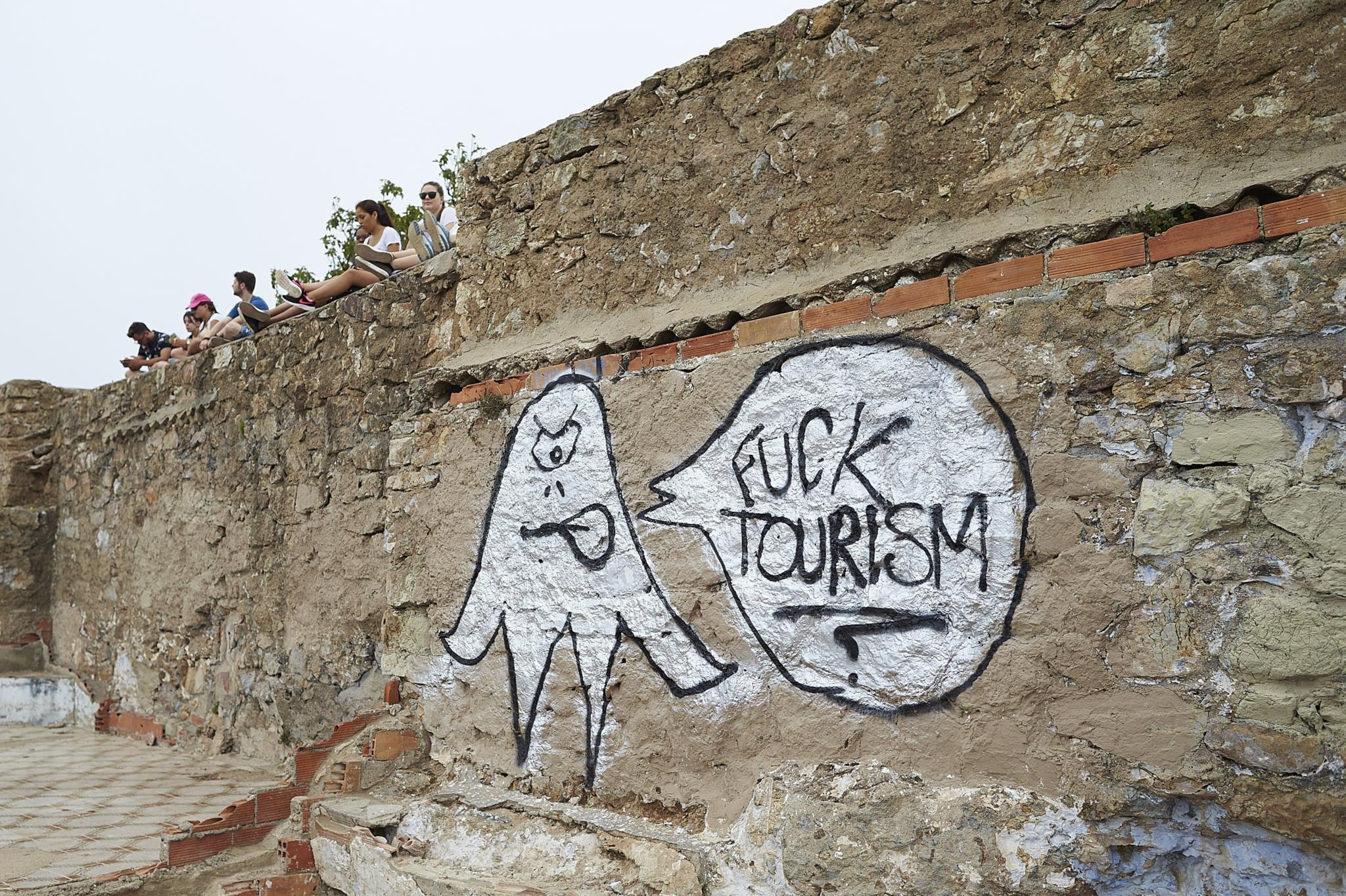O turismo representa cerca de 12% do PIB catalão. Barcelona é o principal destino