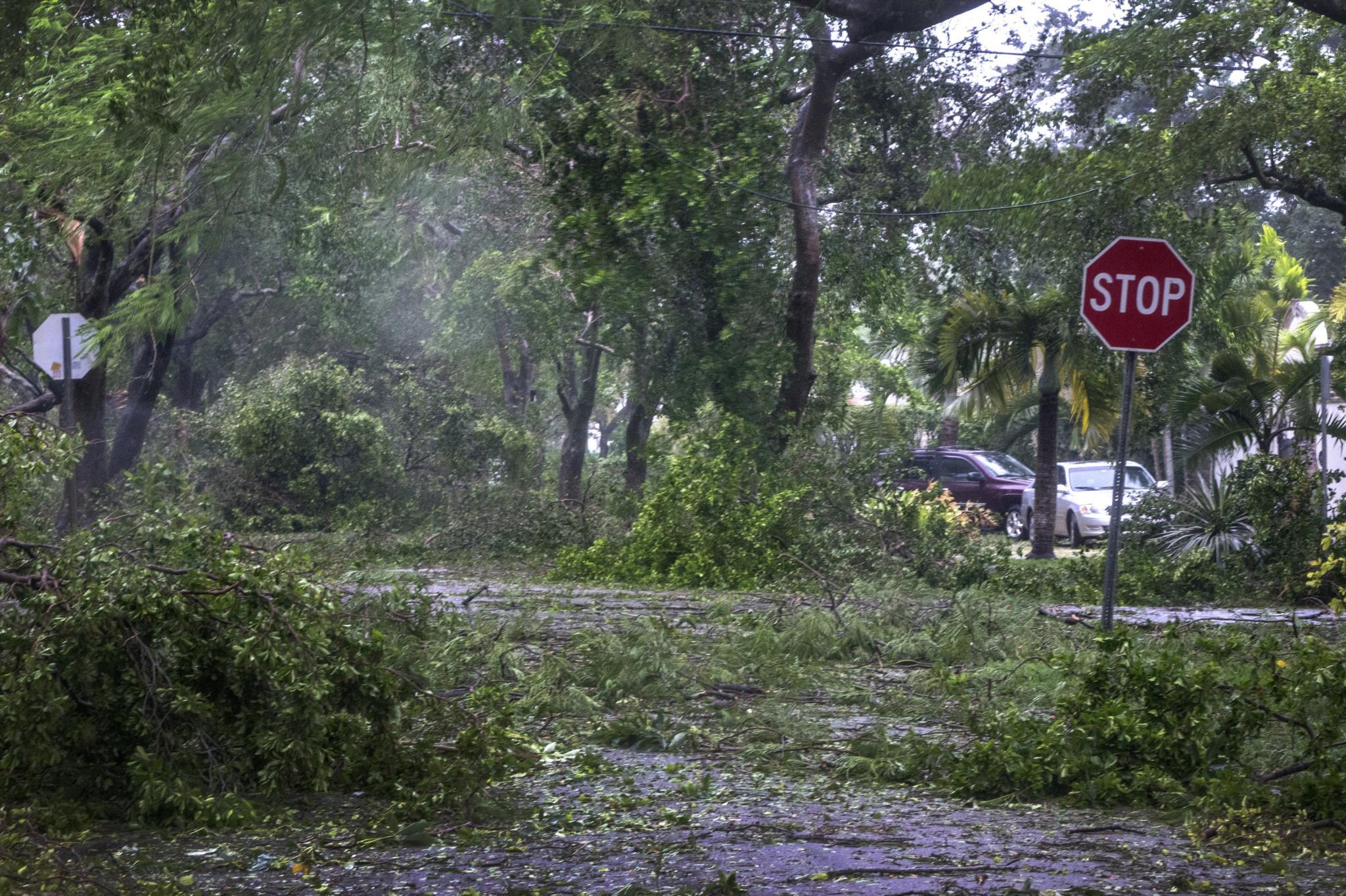 O furacão <i>Irma</i> deixou a sua marca em Miami, no estado norte-americano da Florida