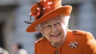 Isabel II é a monarca com o mais longo reinado ainda em curso. Faz 92 anos neste sábado