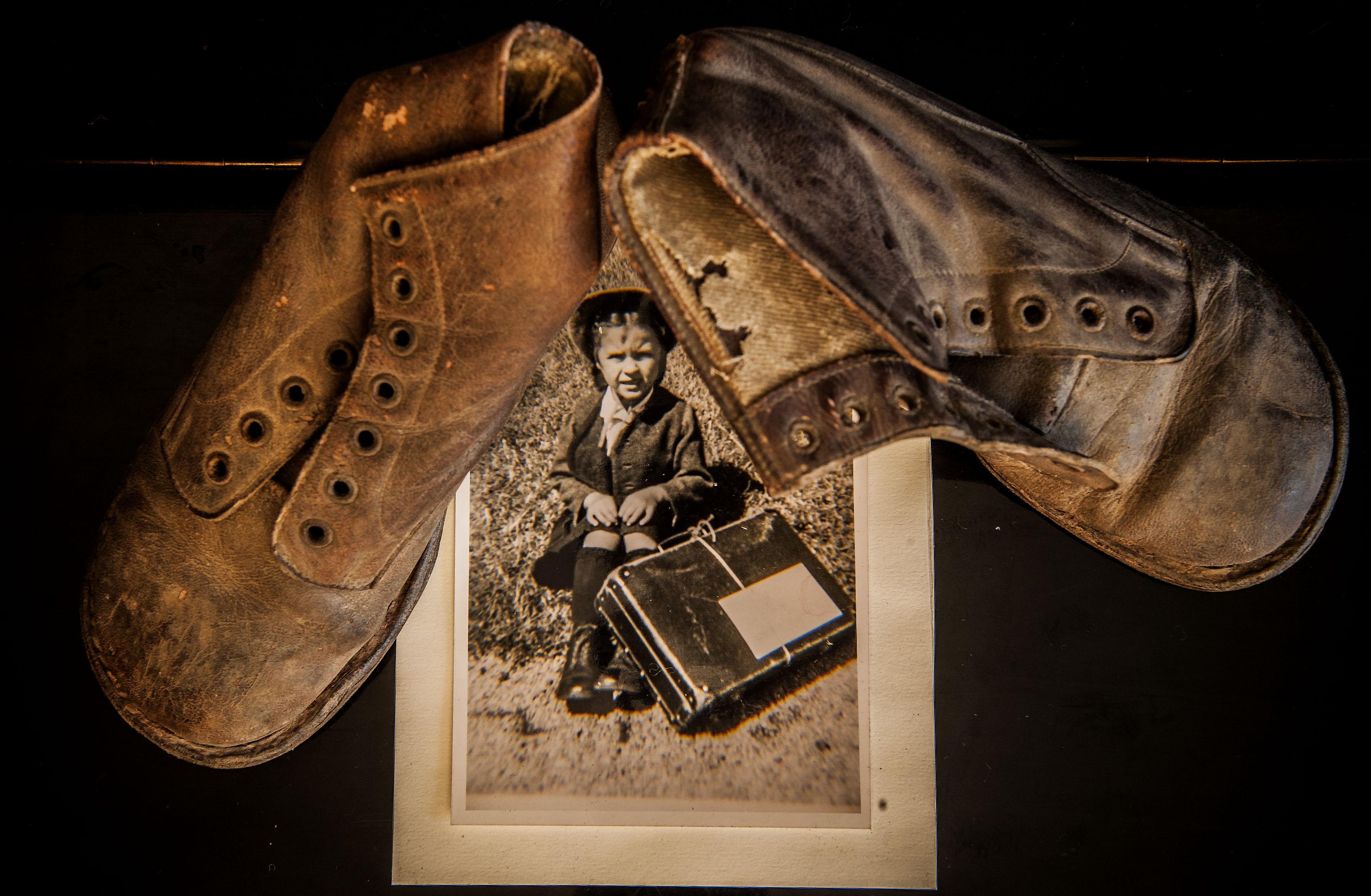 Hannelore ainda guarda as botas que calçava quando viajou da Áustria para Portugal