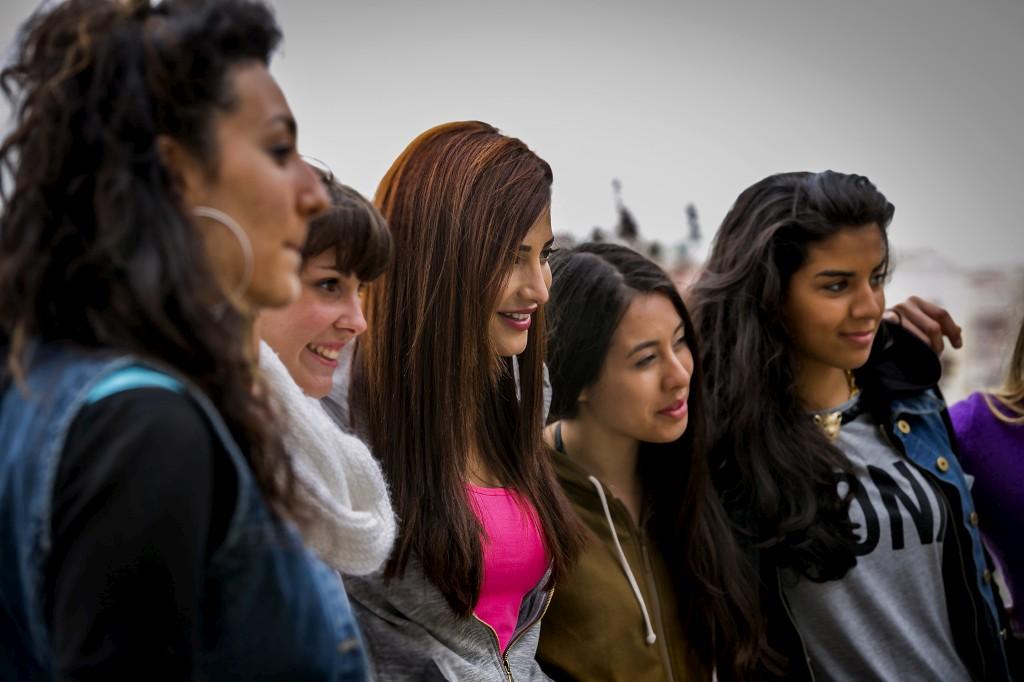 Shruti Haasan tirou fotografias com a equipa no miradouro da Senhora do Monte, na Graça