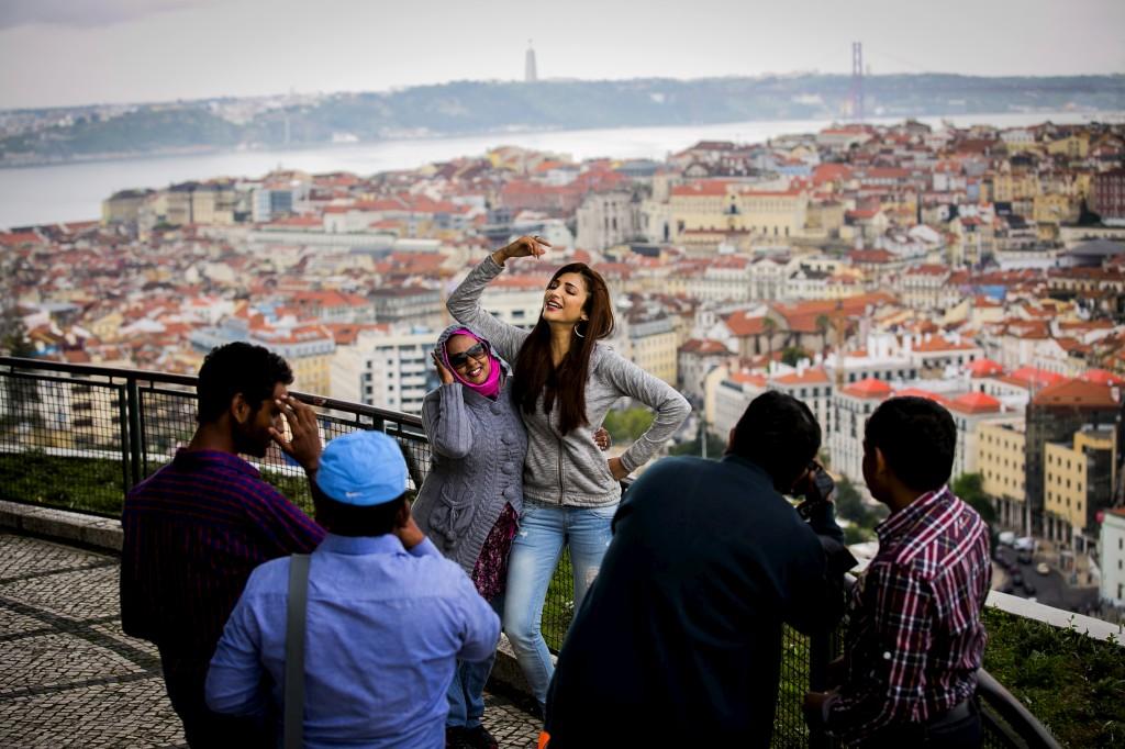 No miradouro da Senhora do Monte, na Graça, Shruti Haasan filmou apenas um excerto de uma cena musical
