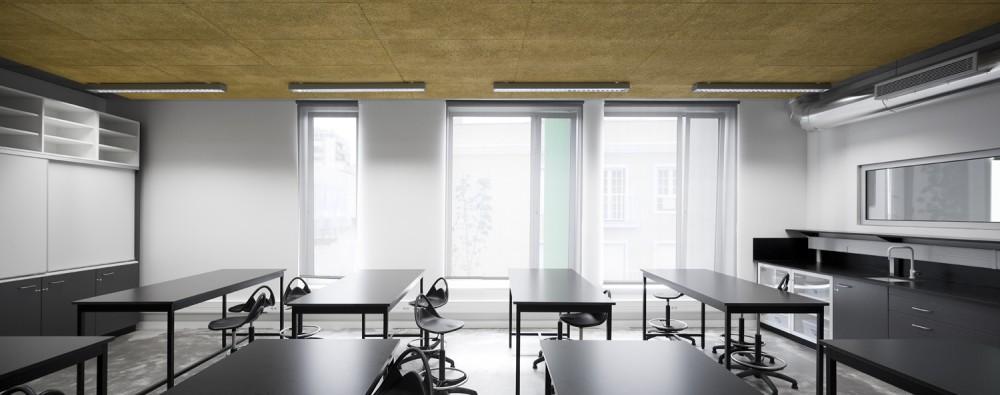 """""""É interessante ver um projecto que foi desenhado ao pormenor, mesmo a mobília não sendo cara, adapta-se ao edifício"""", disse Richard Hyams, outro membro do júri."""