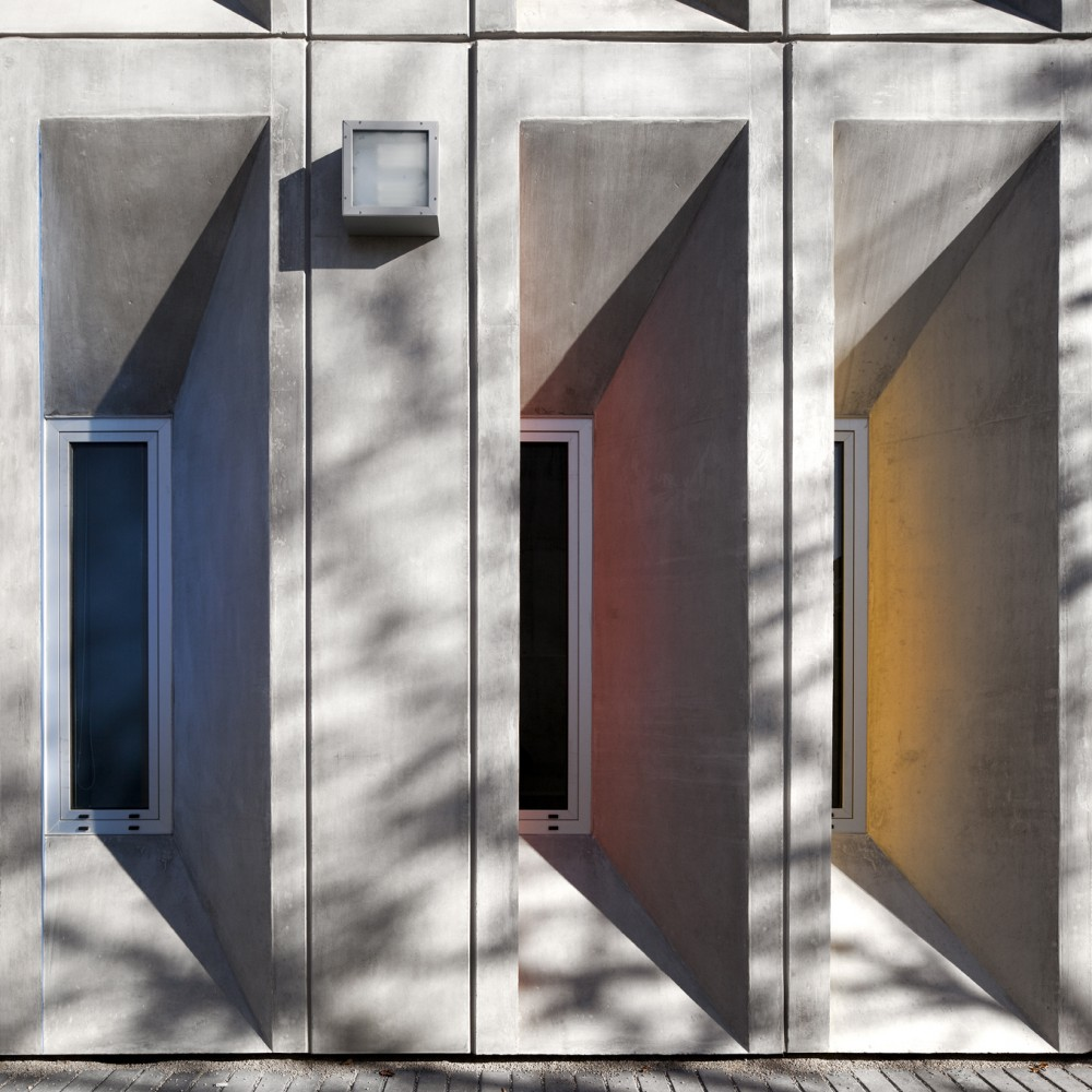 Escola Secundária Braancamp Freire do atelier Cristina Veríssimo e Diogo Burnay Arquitectos