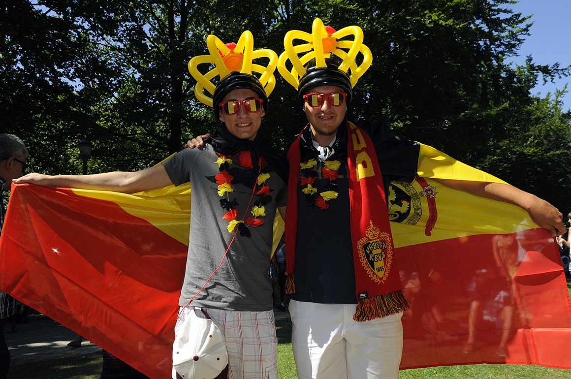 As ruas encheram-se de bandeiras belgas