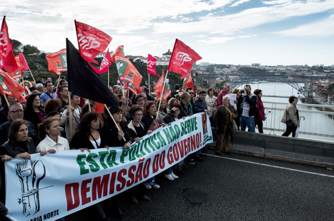 A manifestação na ponte do Infante