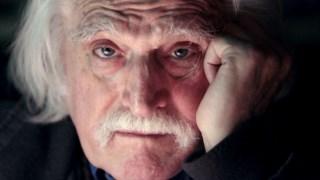 Já depois da doença de Parkinson, mas antes de morrer, deixou-se filmar por Denis Robert, jornalista do Libération, para o documentário Jusqu'à l'ultime seconde, j'écrirais; o filme deverá sair em sala ainda este ano