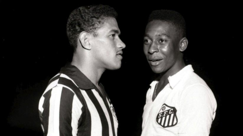 Pelé e Garrincha  os génios opostos do futebol brasileiro  35e5ce88b21eb