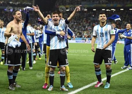 PÚBLICO - Mundial, dia 23: a Argentina volta às finais a Holanda a perder nos penáltis