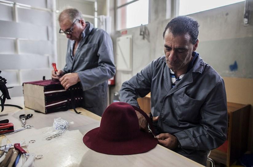 Os feltros dos chapéus de São João da Madeira também são um meio de  integração social  cca03d50353