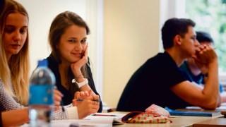As mais evidentes mudanças no sistema educativo polaco são formais