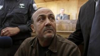 Marwan Barghouti num tribunal em Jerusalém. O líder palestiniano está condenado a cinco penas de prisão perpétua.