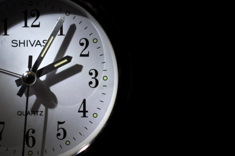 87ba474ada3 Os relógios atrasam uma hora no domingo. Mas porquê