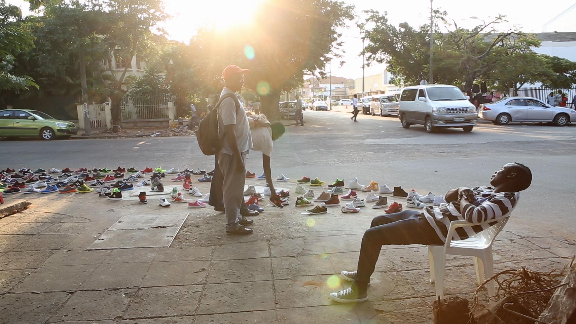 Resultado de imagem para negócio informal em moçambique